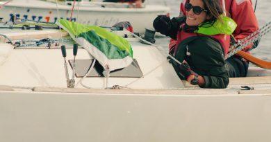 Dilara Tuna bij de Nestor Trophy aan boord