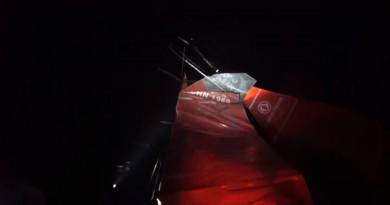 BotenTV Nieuwsupdate: gebroken mast, botenbrand en veilig aanleggen
