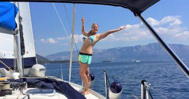 Gerie Smit op de Beneteau Cyclades