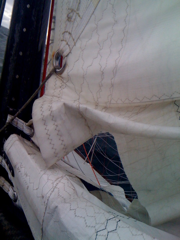 mainsail-damage-1