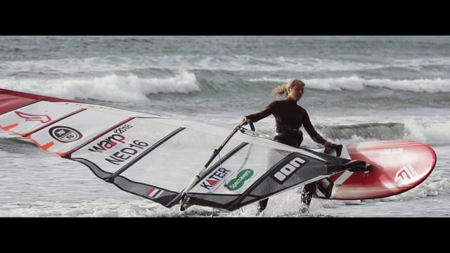 Trainingskamp van windsurfer Esther de Geus